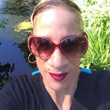Taura from West Linn | Woman | 50 years old | Taurus