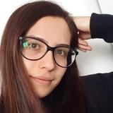 Sarah from Toronto | Woman | 28 years old | Sagittarius