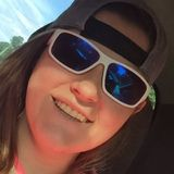 Crystal from Hendersonville | Woman | 27 years old | Capricorn