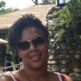 Genna from Peoria | Woman | 41 years old | Gemini