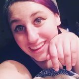 Emma from Marshfield | Woman | 21 years old | Capricorn