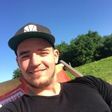 Basti from Grevenbroich   Man   27 years old   Capricorn