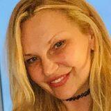 Llmnix from Hamburg-Eimsbuettel | Woman | 50 years old | Cancer