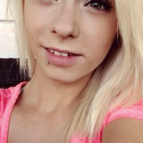 Deanna from Fort Mcmurray | Woman | 24 years old | Libra