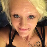Laurbear from Sarnia   Woman   24 years old   Cancer